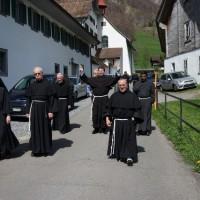 En route pour la visite de la chapelle